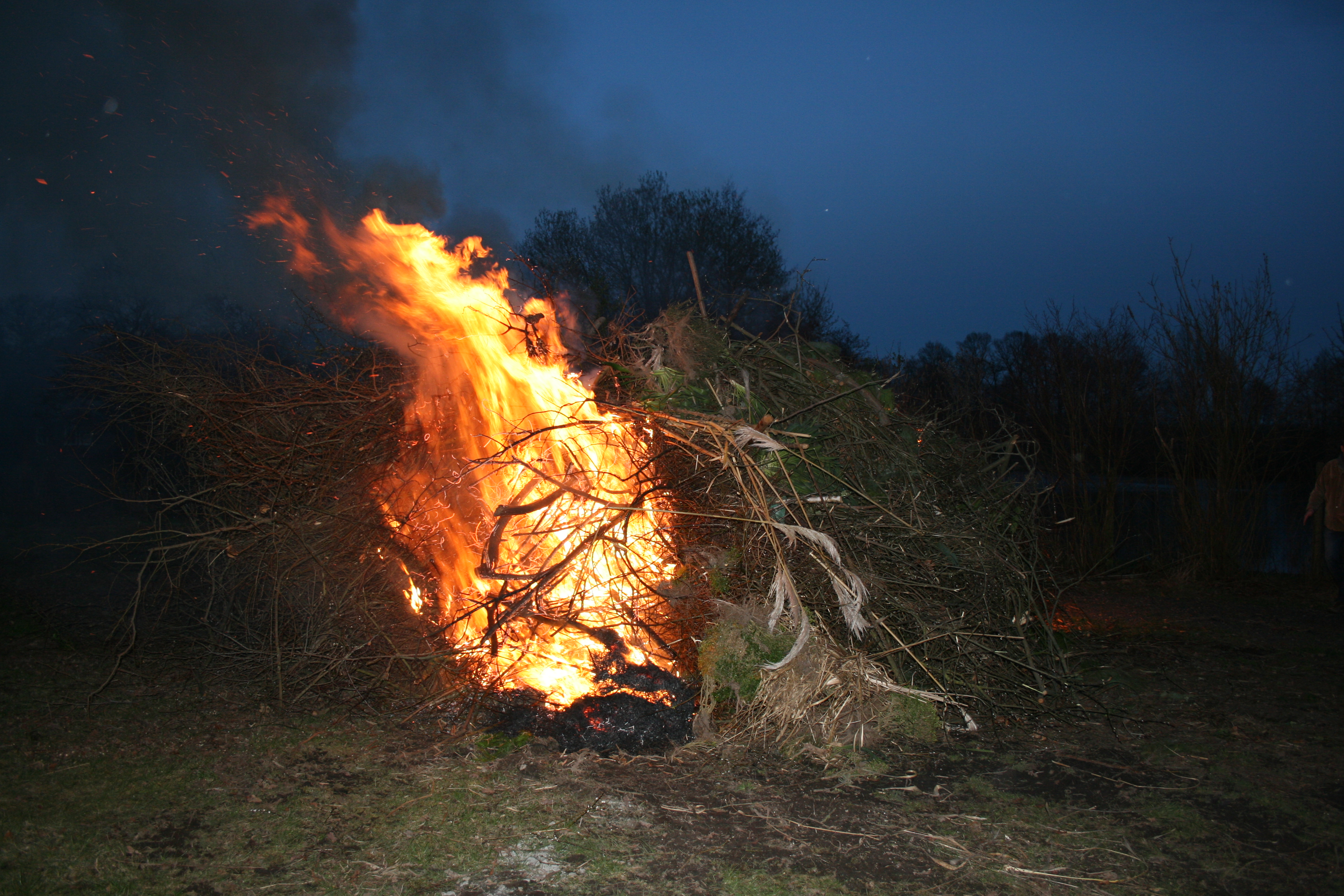 Osterfeuer-2016-022