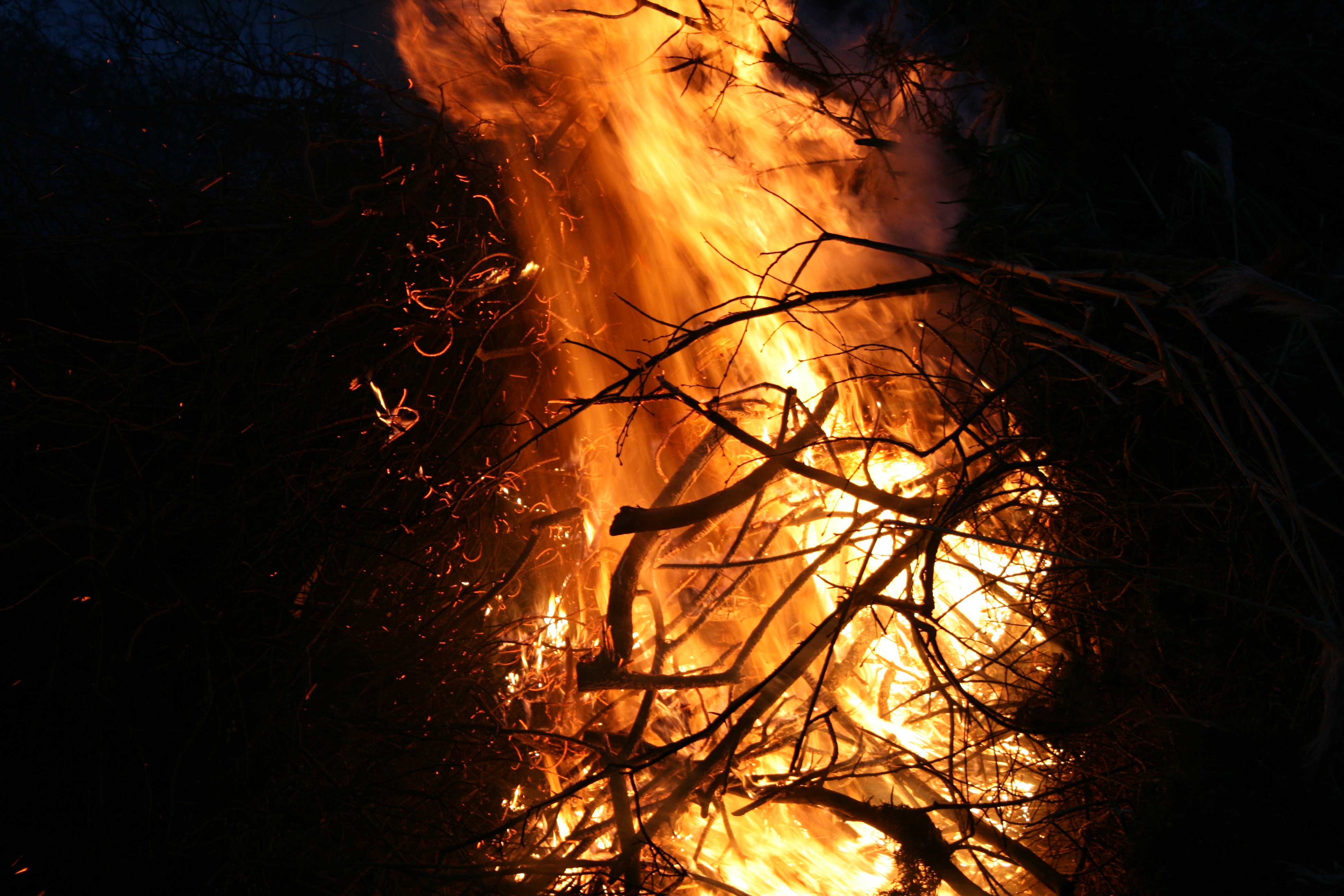 Osterfeuer-2016-024
