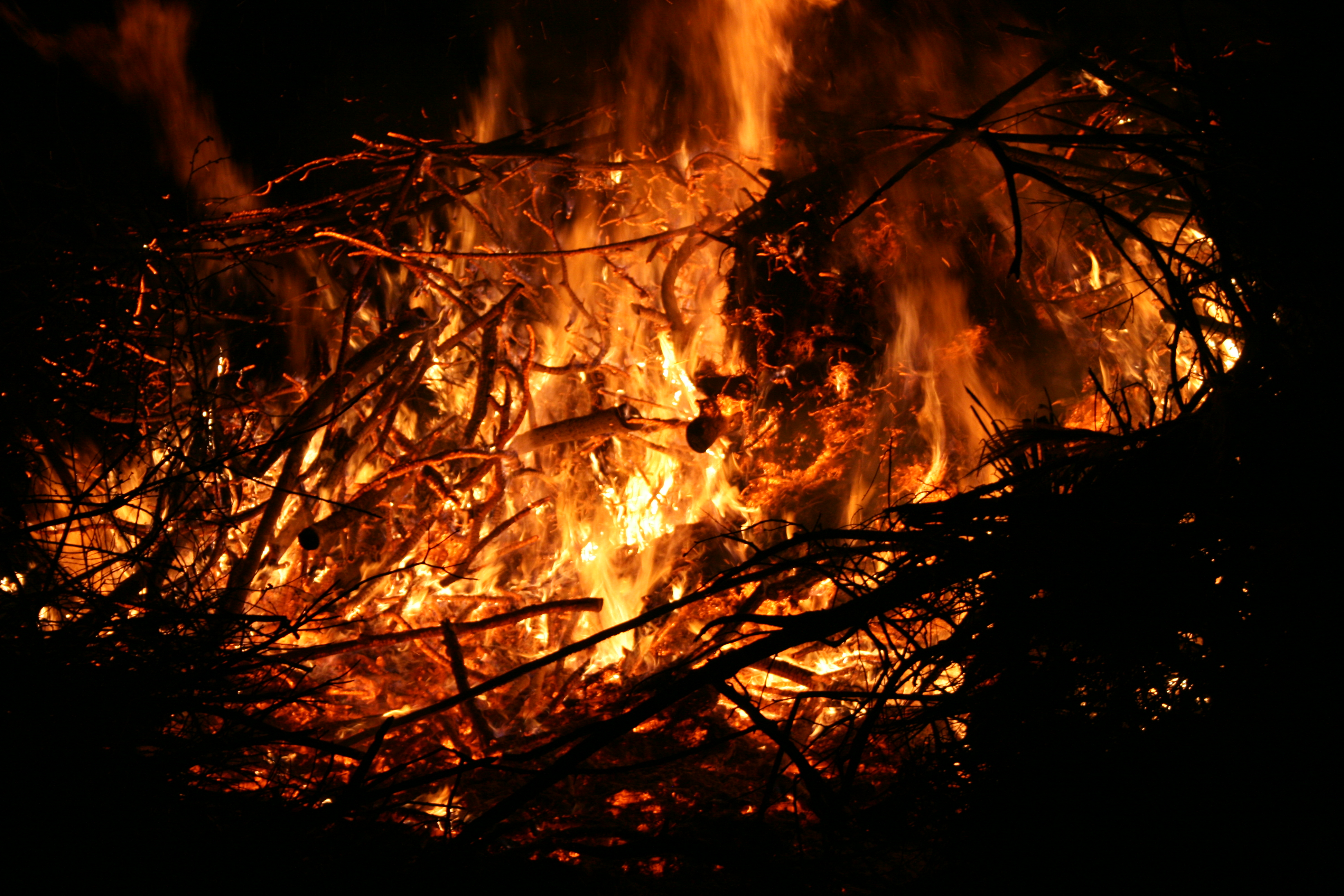Osterfeuer-2016-030