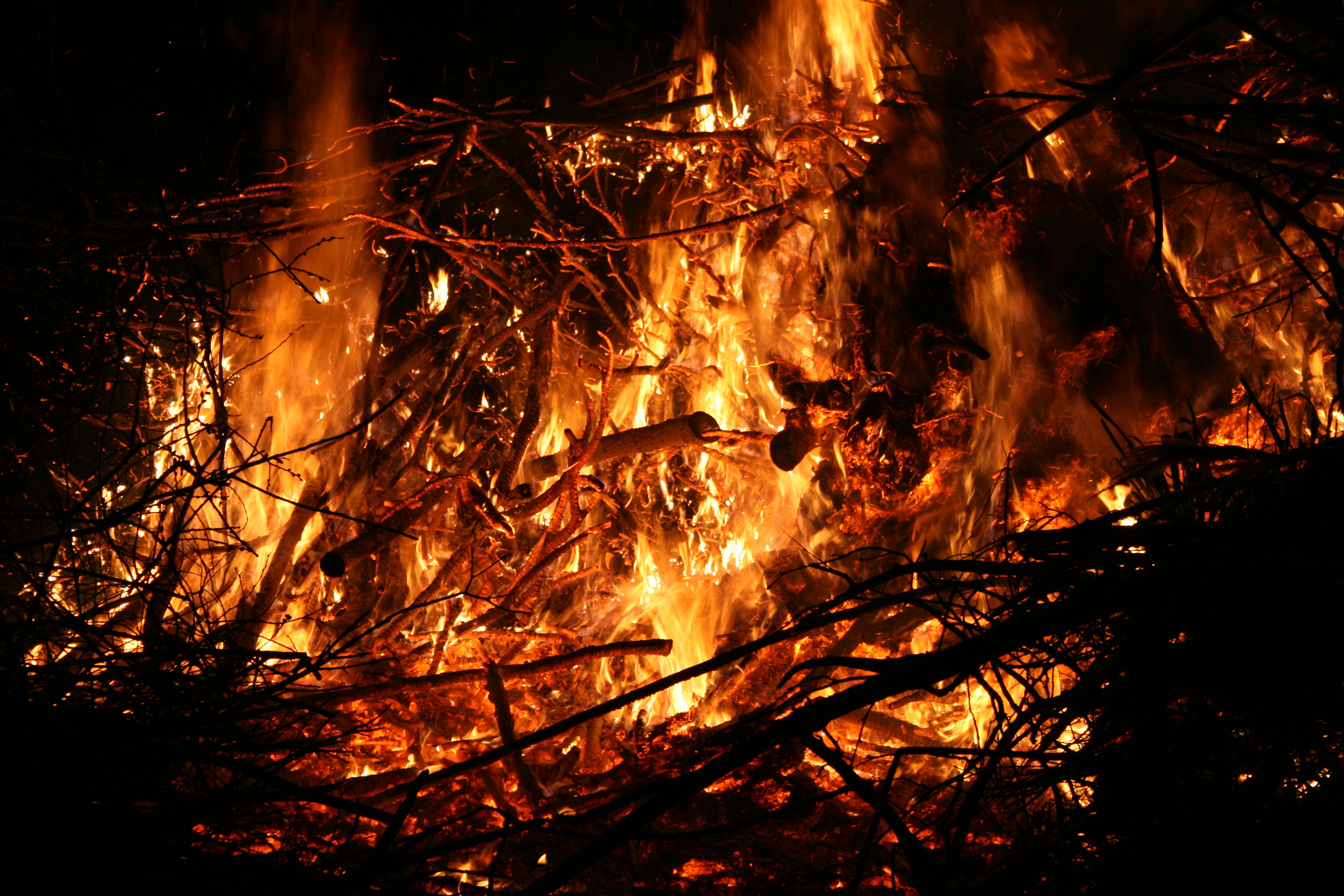 Osterfeuer-2016-031